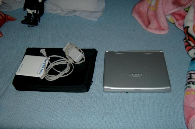 averatec 3200 lappy and excessories