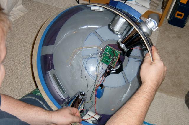 R2D2 Head Inside